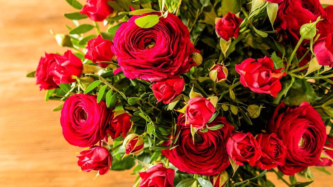 赤 花束 バラ