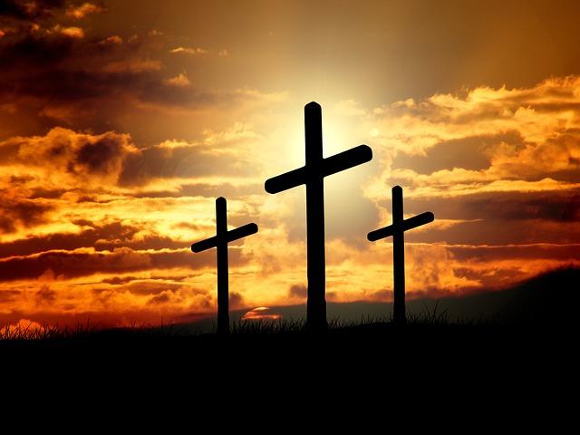 丘の上の三つの十字架