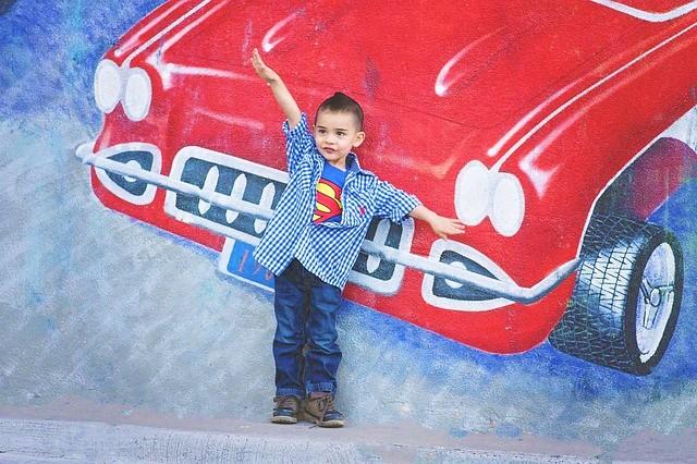 スーパーマン 男の子 赤い車